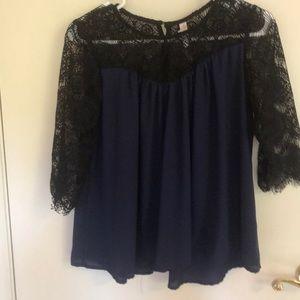 Quarter Sleeve Flowy Shirt